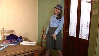 Aston Wilde In Elegant Girl Takes Off Panties