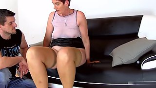 Caramel clit and mommy Libuses sweet pussy