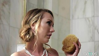 Babes: Dinner for Deviants: Whore d'Oeuvres ft. Brett Rossi, Daisy Stone, Molly Mae on PornHD