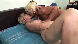 Clitorissa's deep respect for two lesbian grannies