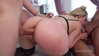 Busty Blonde Bombshell Lisa Wants Four Big White Dicks To F