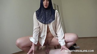 hijab bitch closes deal with a great fuck