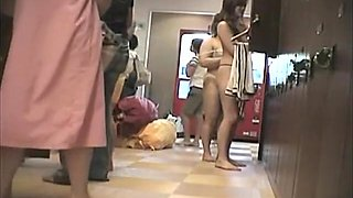 Having taken shower nude Asian cuties get on voyeur cam 439 su0304