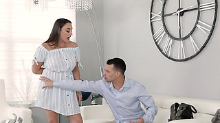 Chubby amateur Melanie Hicks gives a BJ and rides his fat dick