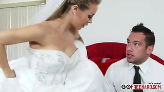 Bride Nicole Anistons Step-mom Joins In On The Wedding Night