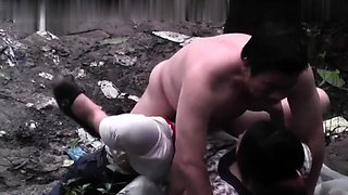 Amateur Oriental wife takes a deep fucking in the outdoors