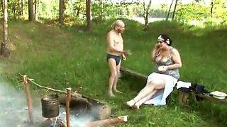 Rusas sexo en el bosque