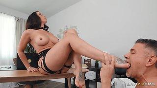 Slutty secretary Rachel Starr in sexy outfit gets fucked balls deep