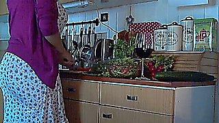 Kitchen babe