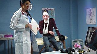 Dick craving doctor Ania Kinski wants to feel a monster tool