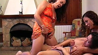 3 Lesbians play together & piss
