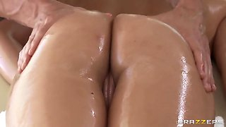 Horny Bitch - After A Hot Massage Will Be Penetrated!