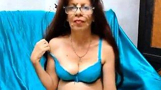 Sexy Latina Gilf