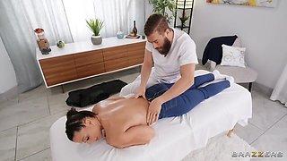 Rachel Starr - Perfect Ass Milf Rachel Gets A Different Kind Of Massage