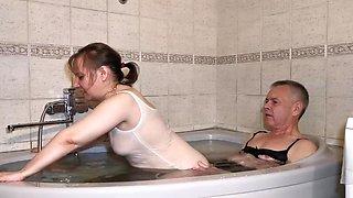 Bathtub Sex - Episode Ii - Becky Gets An Orgasm From Cum On Her Ass - Michael Hernandez And Becky