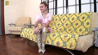 LONG LEGS FLEXIBLE TEEN PINK THONG