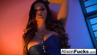 Alison Tyler In Posing Nude In Bed