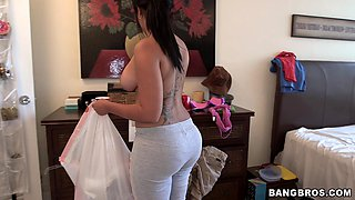 Stunning Latina maid Angelina goes down on her knees to give a BJ