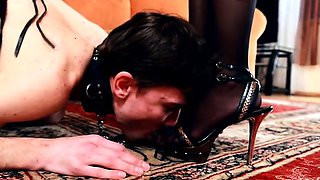 Mistress almost drives her sub crazy with desire when she