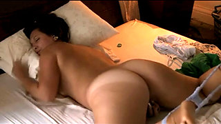 Curvy Cougar Woman Strip On Bed And Wank Her Wet Pussy