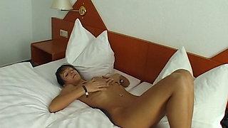 Teasing auf dem Hotelzimmer Deutsche Milf