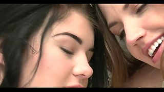 2 hot lesbian girls 921