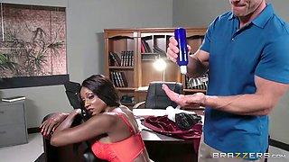 Smoking hot ebony slut gets annihilated by her boss