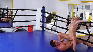 Sporty whore takes some private lessons in the ring