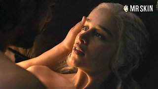 Jon Snow and Dany finally have sex in the hottest GoT scene