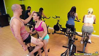 Awesome Rachel Starr gets talked into jumping on a fat pecker