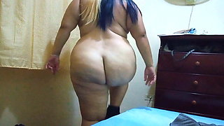 bbw dancing sexily and taking off clothes