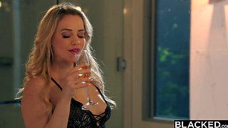 BLACKED Mia Malkova Loves BBC in First IR!!