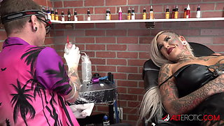 Tattoos and fucking with big tit blonde Evilyn Ink
